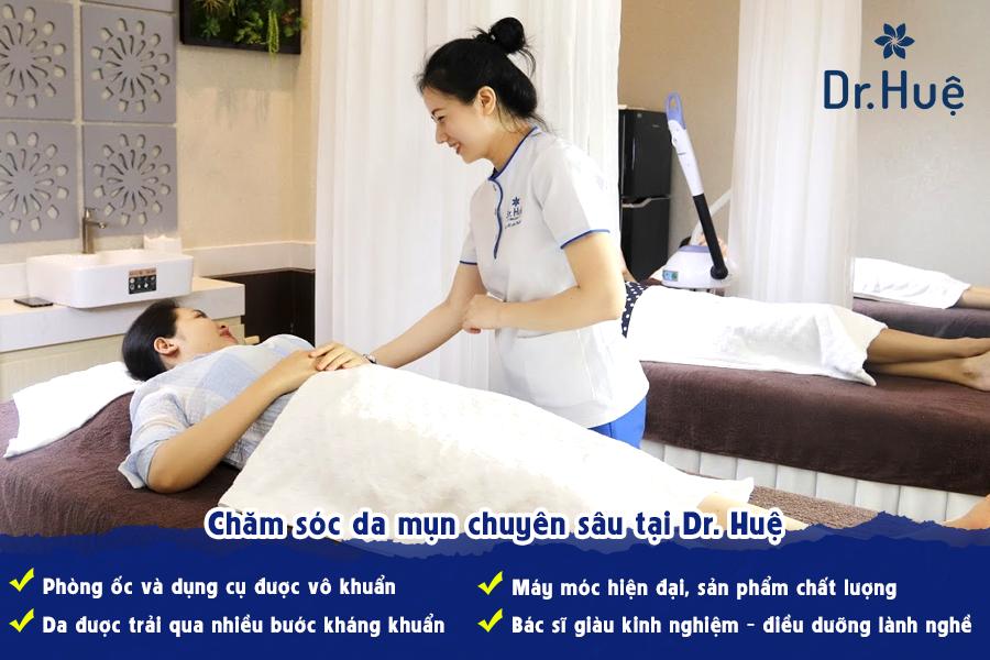 Chăm sóc da mụn chuyên sâu tại Dr. Huệ